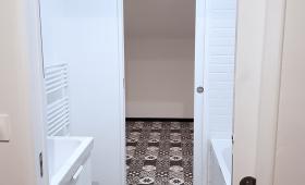 Salle de bain permettant de circuler entre deux chambres - Nanterre